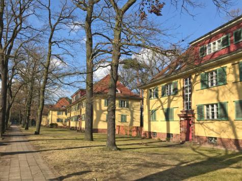 Vermietete Balkonwohnung im sanierten Denkmal mit großem Gemeinschaftsgarten nah Potsdamer Hbf, 14478 Potsdam, Erdgeschosswohnung