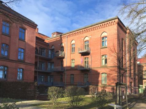 Sanierte Balkonwohnung im historischen Denkmal als ideale Kapitalanlage, 14469 Potsdam, Etagenwohnung