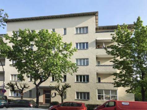 Vermietete Dachgeschosswohnung mit zusätzlichem Hobbyraum – 7 Autominuten vom Kudamm, 14197 Berlin, Dachgeschosswohnung