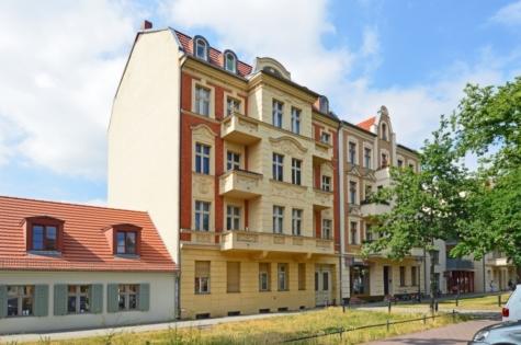 Bezugsfreie & kernsanierte Altbauwohnung mit 2 Balkonen in Potsdam-Babelsberg, 14482 Potsdam / Babelsberg, Etagenwohnung