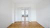 Bezugsfreie & kernsanierte Altbauwohnung mit 2 Balkonen in Potsdam-Babelsberg - Wohnzimmer mit Zugang zur Essküche