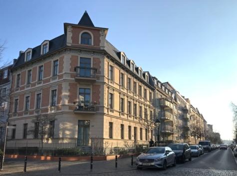 Sanierter Altbauklassiker bietet vermietete Balkonwohnung im Babelsberger Kiez, 14482 Potsdam / Babelsberg, Etagenwohnung