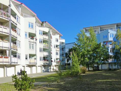 Bezugsfreie Balkonwohnung in grüner und gepflegter Wohnanlage, 14478 Potsdam, Erdgeschosswohnung
