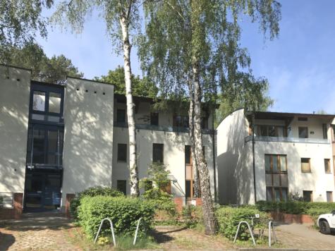 Bezugsfreie Wohnung mit Balkon & Stellplatz in bester Lage von Kleinmachnow, 14532 Kleinmachnow, Etagenwohnung