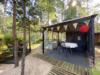 Hochwertiger Bungalow auf großem Südgrundstück in idyllischer Waldrand-Lage - Lounge inmitten der Waldidylle